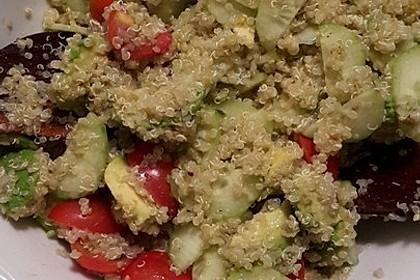 Quinoa Powersalat mit Tomaten und Avocado 52