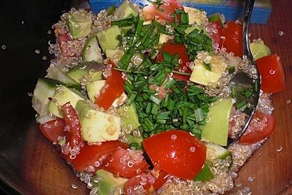 Quinoa Powersalat mit Tomaten und Avocado 42