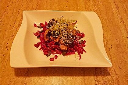 Rotkohl-Rettich-Salat mit Entenbrust
