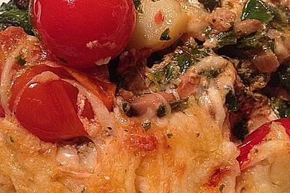 Vegetarischer Gemüseauflauf mit Spinat, Kartoffeln, Tomaten, Pilzen und Auberginen 4