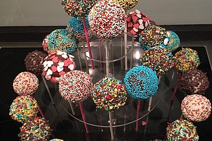 Cake Pops aus dem Cake Pop Maker 6