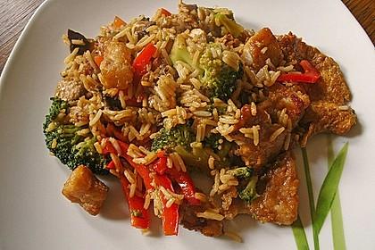 Wok-Gemüse mit Bratfisch