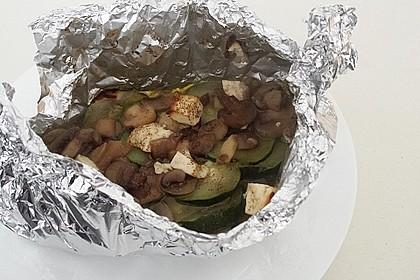 Zucchini-Champignontasche mit Schafskäse