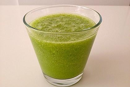 Grünkohl-Smoothie mit Orange und Mango 2