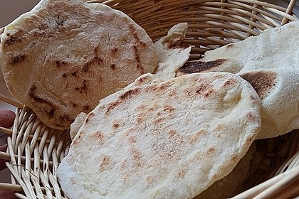 Veganes Naan-Brot mit Knoblauch und Koriander 2