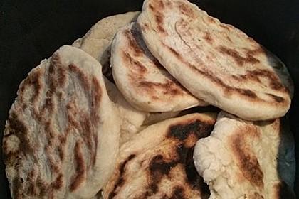 Veganes Naan-Brot mit Knoblauch und Koriander 6
