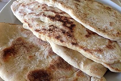 Veganes Naan-Brot mit Knoblauch und Koriander 1