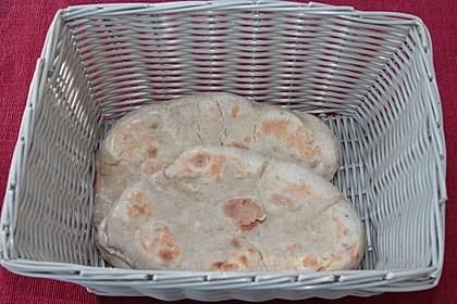 Veganes Naan-Brot mit Knoblauch und Koriander 8