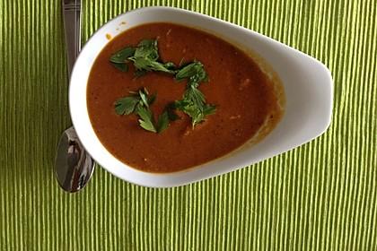 Indische Linsen-Möhren-Suppe mit Huhn und Koriander