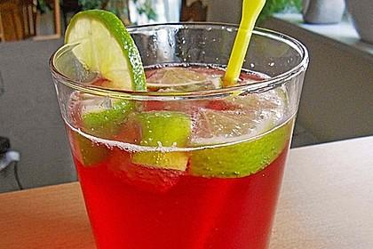 Biercocktail mit Ginger Ale und Grenadine 1
