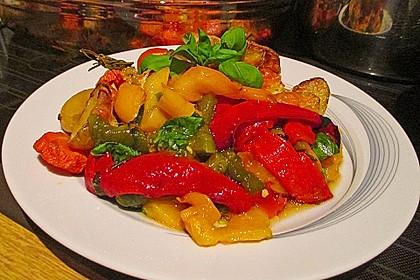 Kartoffel-Karotten Auflauf mit marinierter Paprika
