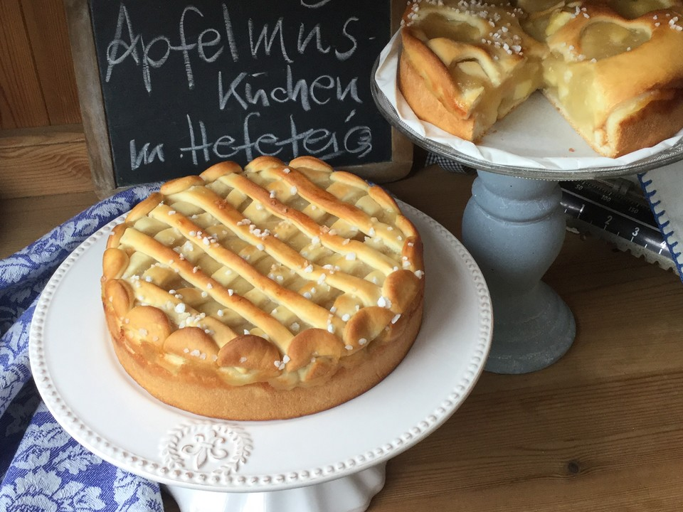 Apfelmus Kuchen Mit Hefeteig Von Crio Chefkoch De