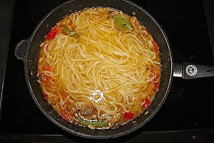 Asiatische Szechuan Hühnersuppe