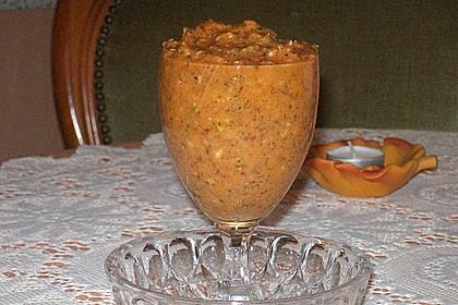 Walnuss-Pesto mit Peperoni und gemischten Kräutern - gar nicht mild 4