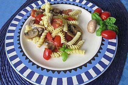 Vollkornnudeln mit Paprika-Pilz-Sauce 10