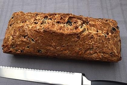 Cake aux olives et jambon 3