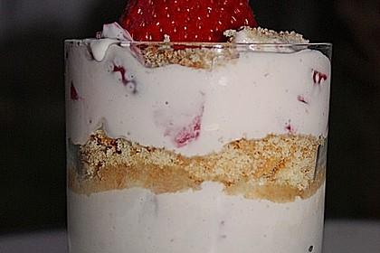 Erdbeerquark mit Amaretti 27