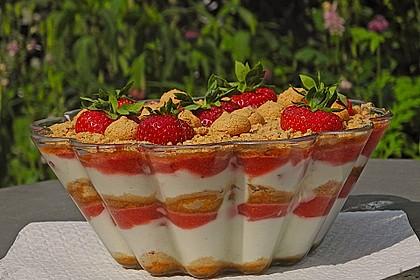 Erdbeerquark mit Amaretti 2