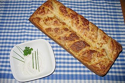 Das schnelle Buttermilch - Zwiebelbrot mit 8 Kräuter - Frischkäse 1