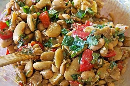 Salat von weißen Bohnen und Paprika