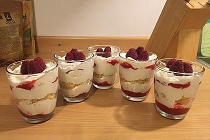 Erdbeer-Käse-Sahne-Kuchen im Glas 3