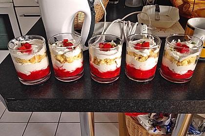 Erdbeer-Käse-Sahne-Kuchen im Glas 4