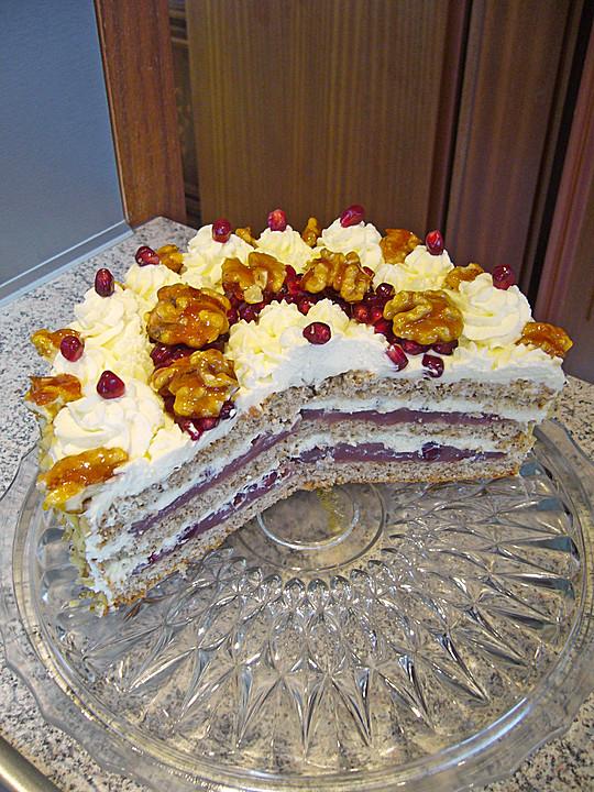 Walnuss Granatapfel Torte Mit Weisser Schokoladensahne Von