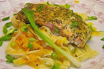 Lachs  in Senfmarinade mit Gemüsenudeln