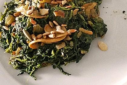 Wildlachs an Blattspinat mit Champignons, Parmesan und Cashewkernen 3