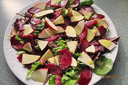 Rote Bete-Apfelsalat mit Ziegenkäse-Crostini 17