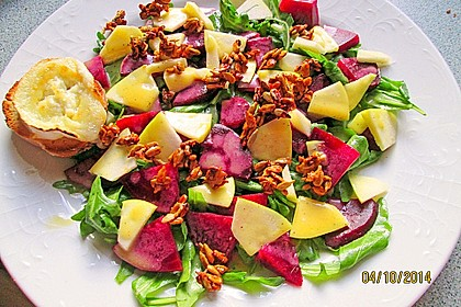 Rote Bete-Apfelsalat mit Ziegenkäse-Crostini 14