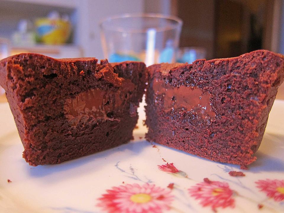 Schokoladenkuchlein Mit Flussigem Kern Von Chefkoch Video Chefkoch De