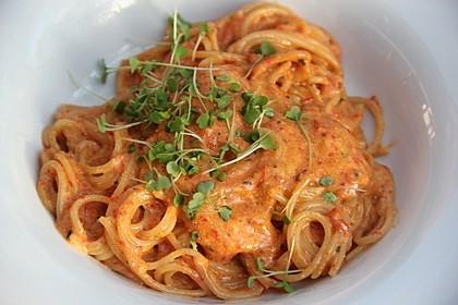 Dinkel-Spaghetti mit kalabrischem Pesto 1