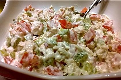Der unglaublich einfache und frische Thunfischsalat mit Tomaten, Gurken und Mayonnaise