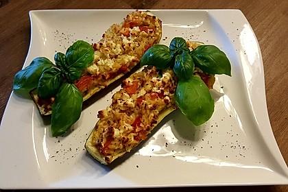 Vegetarische gefüllte Zucchini auf griechische Art 1