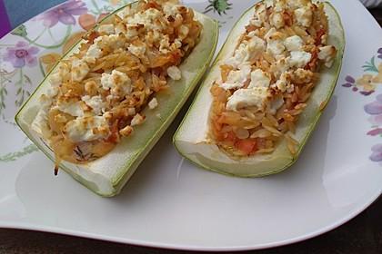 Vegetarische gefüllte Zucchini auf griechische Art 13