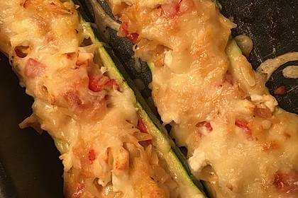 Vegetarische gefüllte Zucchini auf griechische Art 14