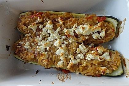 Vegetarische gefüllte Zucchini auf griechische Art 8