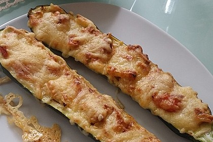Vegetarische gefüllte Zucchini auf griechische Art 9
