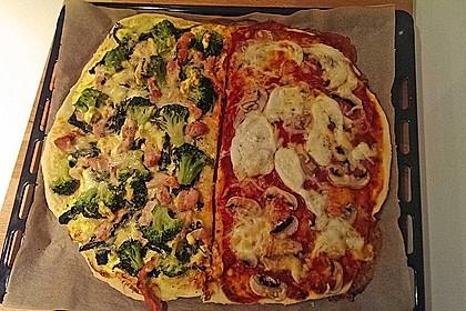 Zweierlei Pizza Boston-Art und Salami