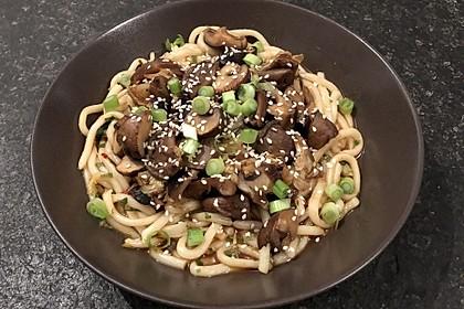 Japanische Nudeln mit Pilzen 1