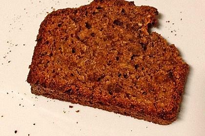 Veganer Maulbeer-Haselnuss-Kuchen 1