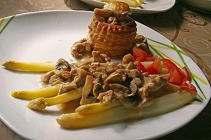 Spargel mit Puten-Pilz-Ragout