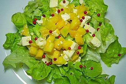 Blattsalat mit Mango und Feta 3