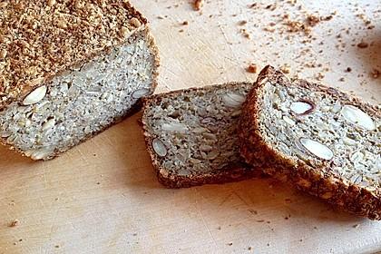 Brot mit Flohsamen 3