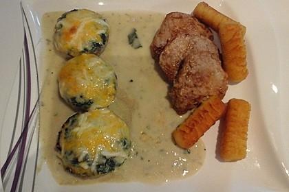 Gefüllte Champignonköpfe mit Spinat und Gorgonzolasoße 1