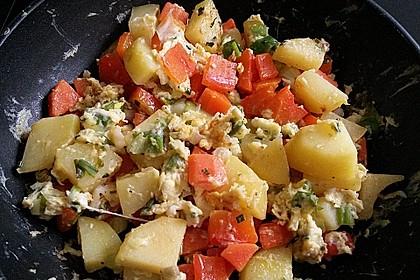 Gemüse-Kartoffel-Pfanne mit Ei 3