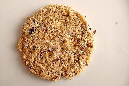 Süße vegane Rohkost-Sesam-Kokos-Plätzchen