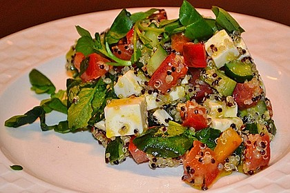 Quinoa-Mozzarella Salat