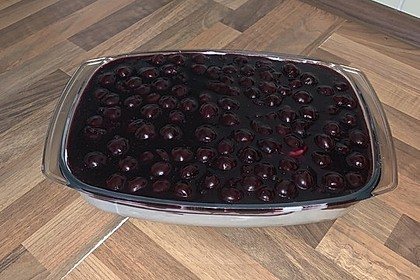 Sahne-Quark-Kirsch-Dessert (Bild)